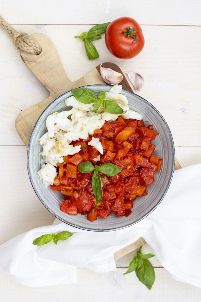 recept kabeljauw met paprika en tomaat