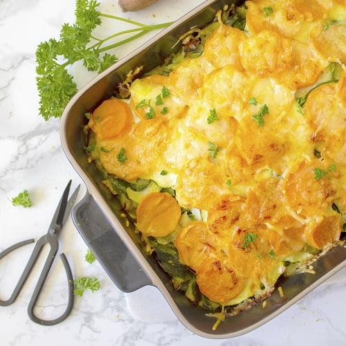 Prei ovenschotel met zoete aardappel en kabeljauw