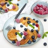 pompoen pannenkoeken met rood fruit - gezonde pannenkoeken