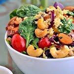 Quinoa spinazie salade met noten