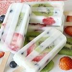 Verkoelende yoghurt fruit ijsjes