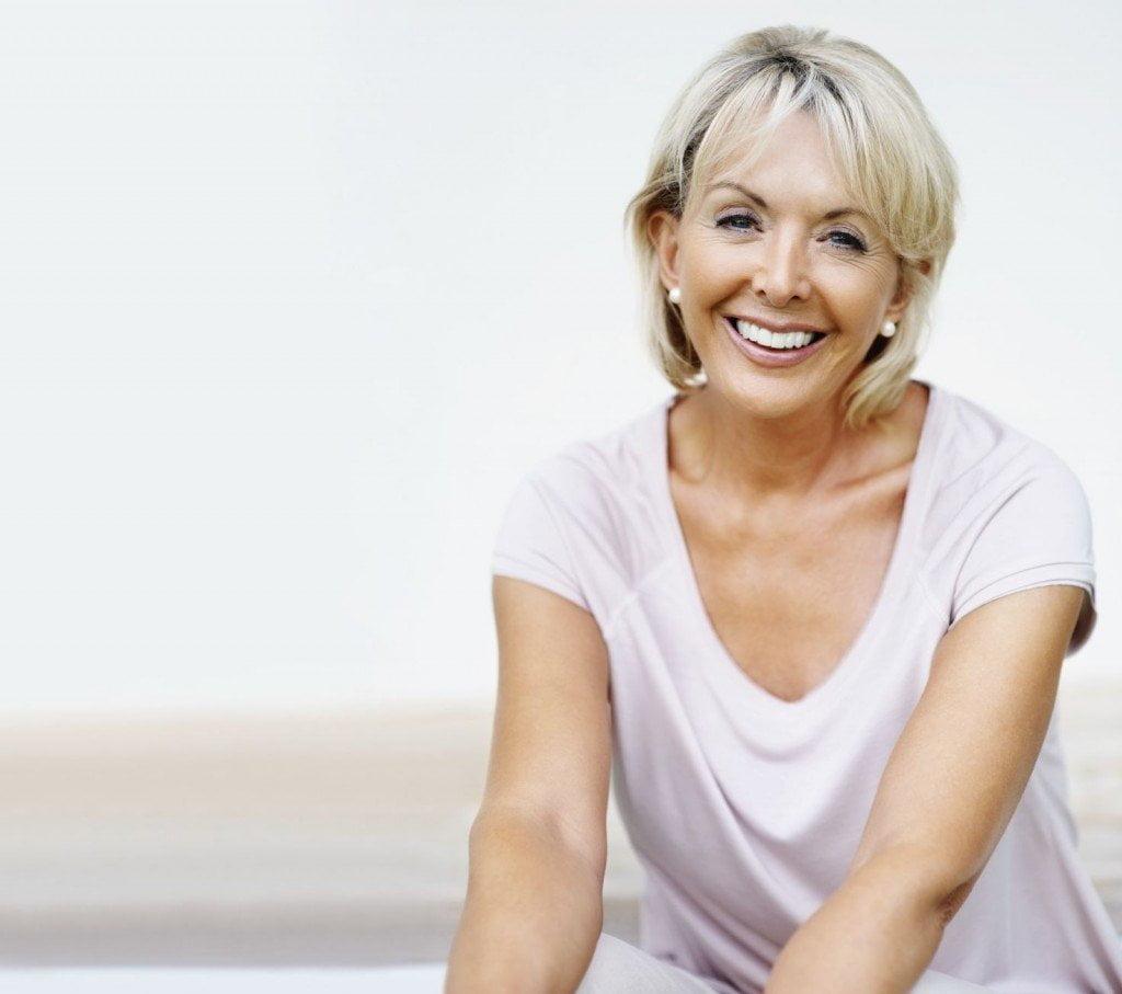 Een vrouw op leeftijd die in de overgang is en wil afvallen