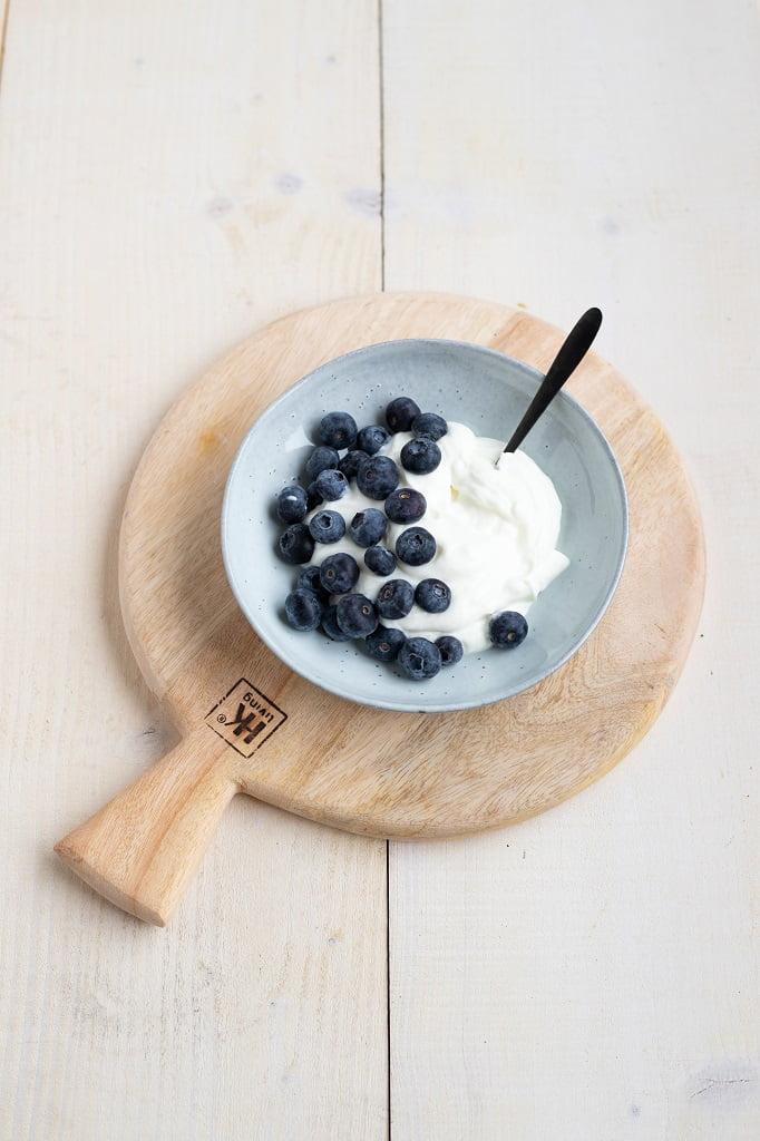 Magere yoghurt met blauwe bessen een perfect Slinc. tussendoortje