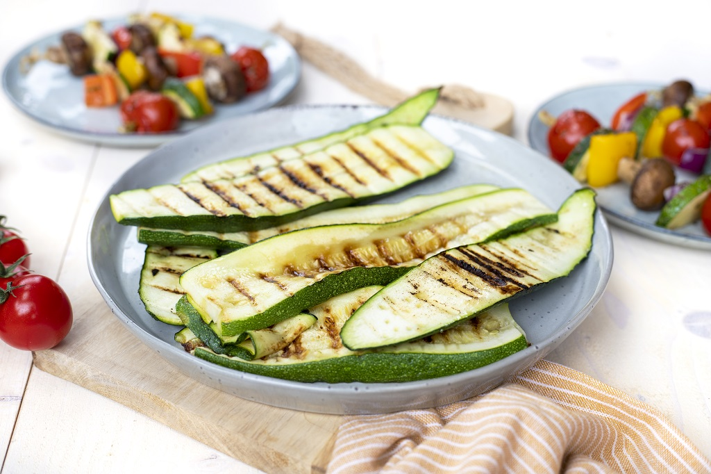 Barbecue gegrilde courgette