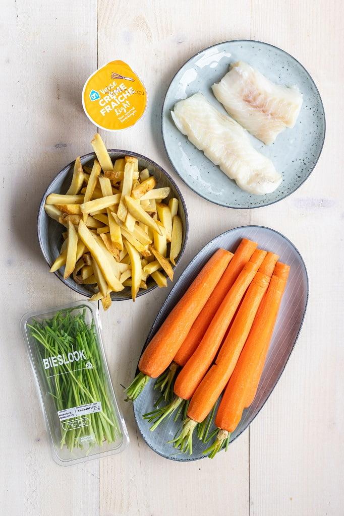 Ovenfriet met witvis en geroosterde wortels