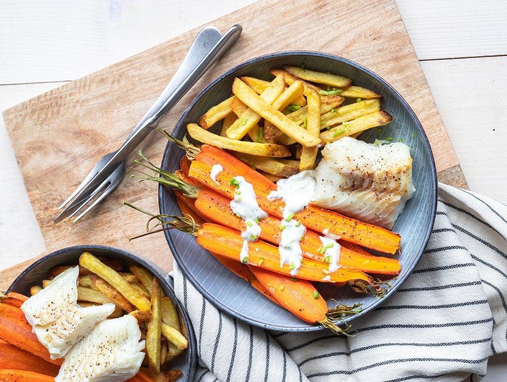 Ovenfrietjes maken met wortel en witvis