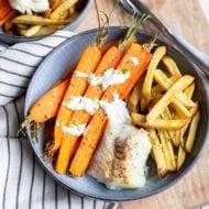 Wortels uit de oven met ovenfriet en witvis